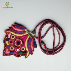 گردنبند سوزندوزی بلوچی گاندو (چند رنگ با رنگ غالب قرمز)