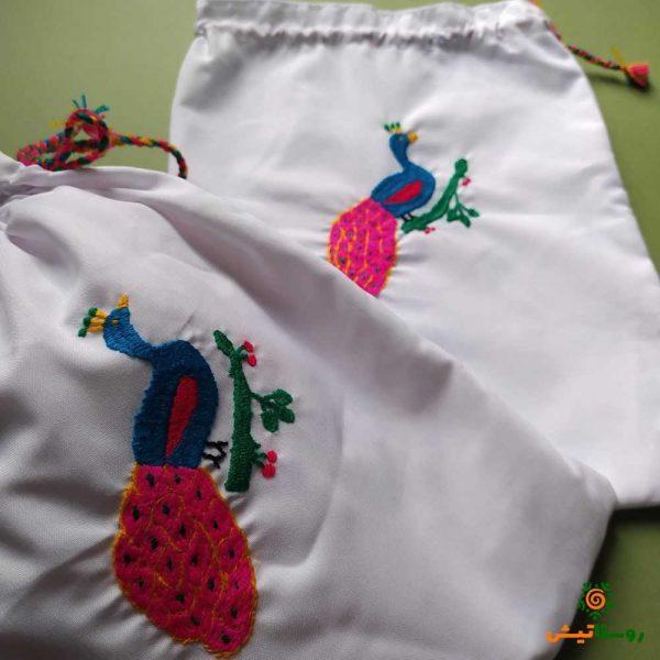 کیسه پارچهای گلدوزی بزرگ طرح طاووس