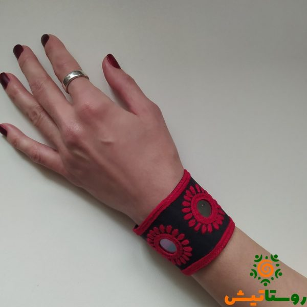 دستنبند سوزندوزی بلوچی انارتاک (قرمز1)
