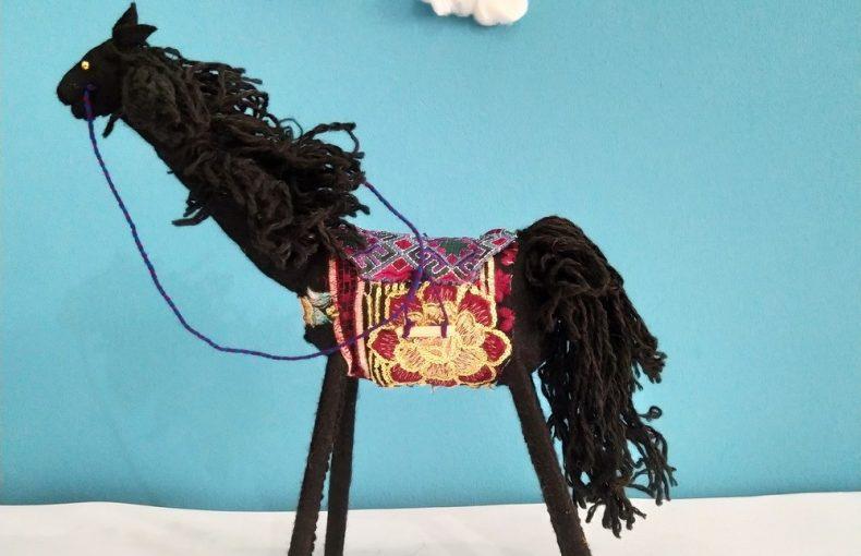عروسک اسب دست ساز تاجمیر آتلان 5