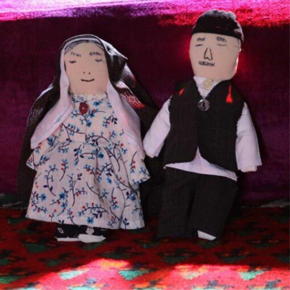 عروسک بومی آروسک