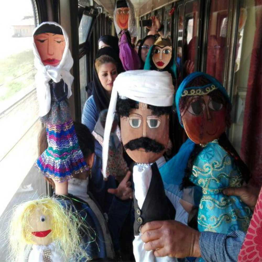 عروسک بومی قاشقی