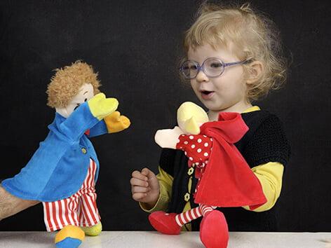 بازی با عروسک
